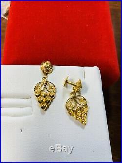 22K Saudi Gold Set Dangle Earring