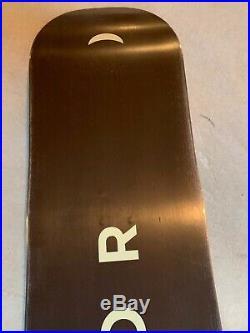 Used Arbor Poparazzi Rocker Twin Tip Snowboard 141 cm